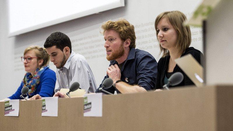 Les représentants des Jeunes Vert-e-s à Berne ce lundi.