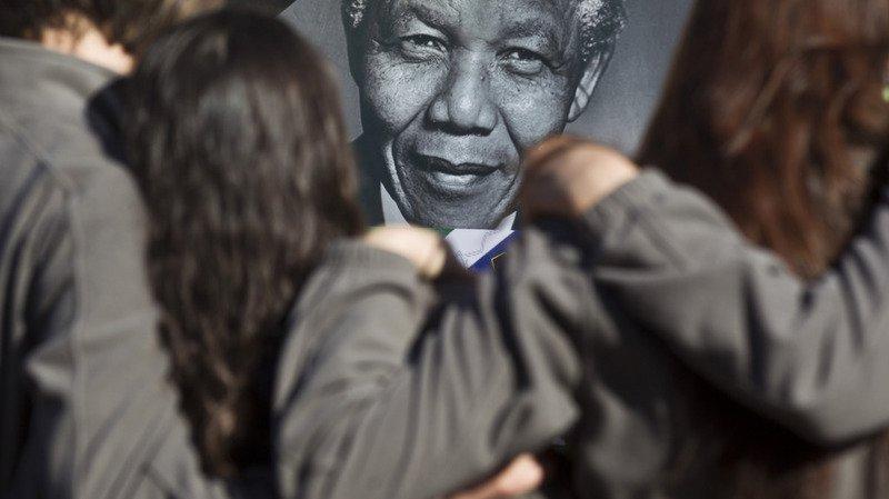 Proche-Orient: Ramallah reçoit une statue de Mandela par Johannesburg