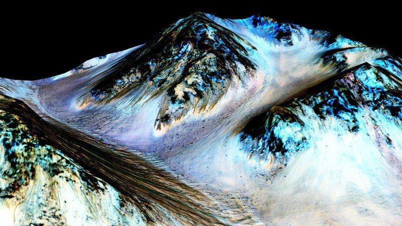 Espace: la Nasa confirme la présence d'eau salée sur Mars